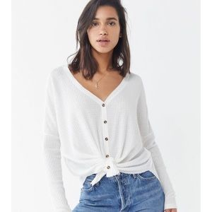 Urban Outfitters Size Medium White Waffle Knit tip